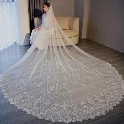 White Ivory Lace Edge Cathedral Len..