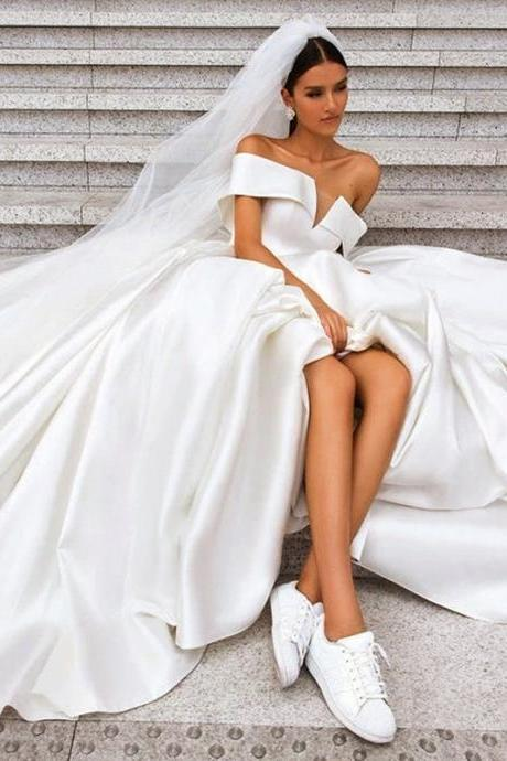 Bride word shoulder wedding dress long tail princess dress satin wedding dress