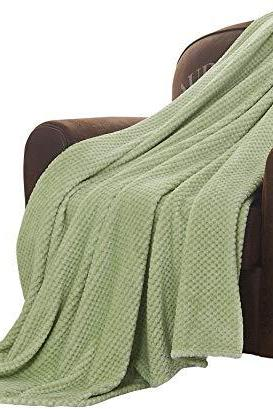Flannel Fleece Throw Blanket with Super Soft Waffle Textured Patterns, Warm, Lightweight, Versatile for All Seasons, Perfect for Bed Sofa Couch (78x 90 Inches), Green