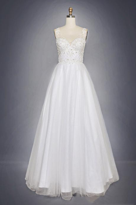 Women's White Ball Gown Wedding Lace Dress Beaded Wedding Dress
