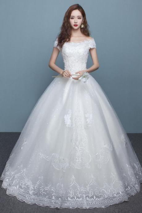 Bridal wedding dress with one shoulder trailing wedding dress