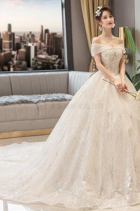Bride wedding dress cathedral long tail wedding dress