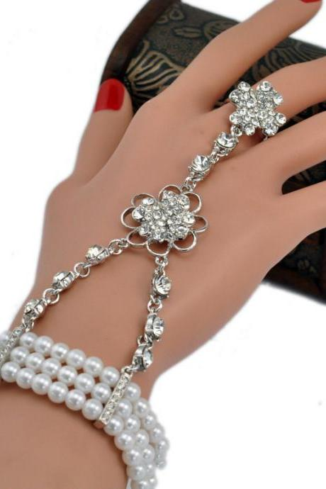 Elegant Crystal Finger Ring Bracelet Attached Link Hand Harness Bangle