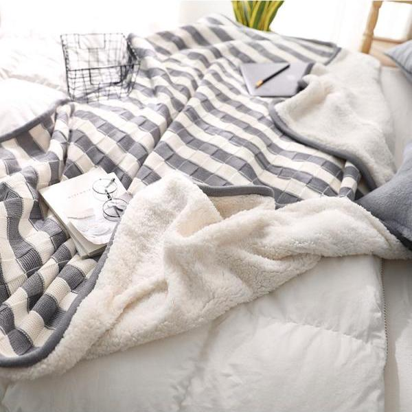 Knit Luxury Polyester Soft Throw Blanket, Lamb Velvet Composite Blanket,Reversible Super Soft Sweater, Warm Cozy Bedding