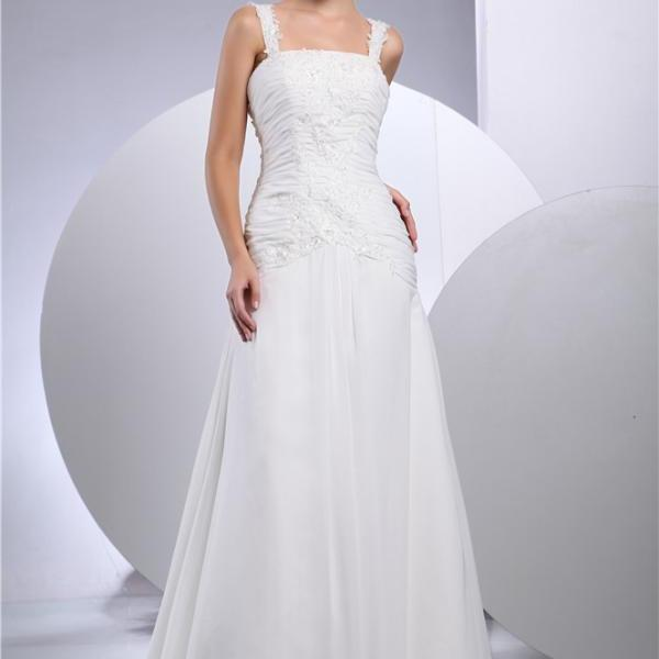 Bridal white chiffon wedding dress